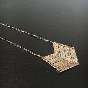 Jewelry - Vintage Chevron Necklace